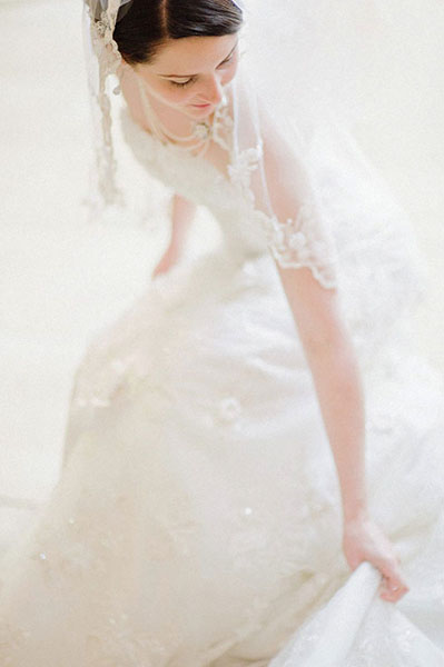 bride candid