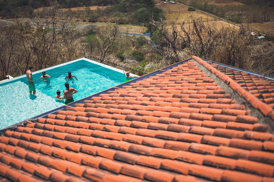 storyboard006 groomsmen swimming in pool