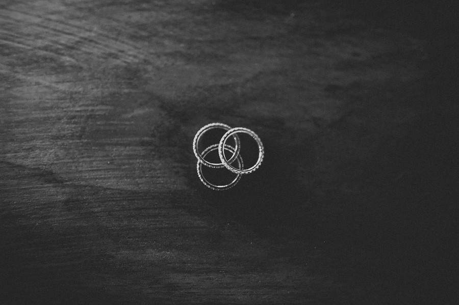 storyboard030 wedding rings or bands