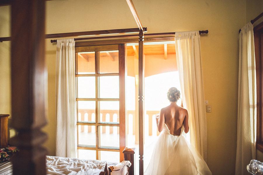 storyboard048 bride getting ready