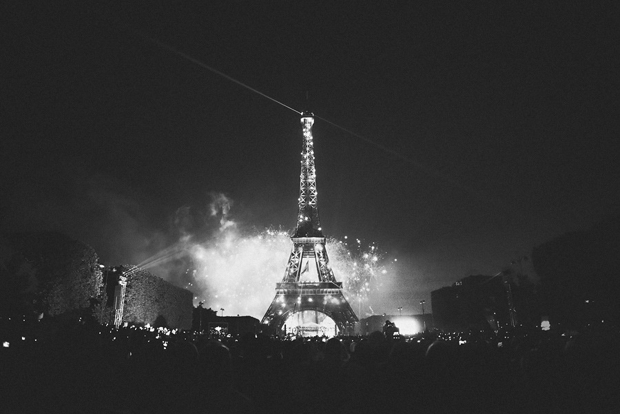 eiffel tower with fireworks leica 24 1 4