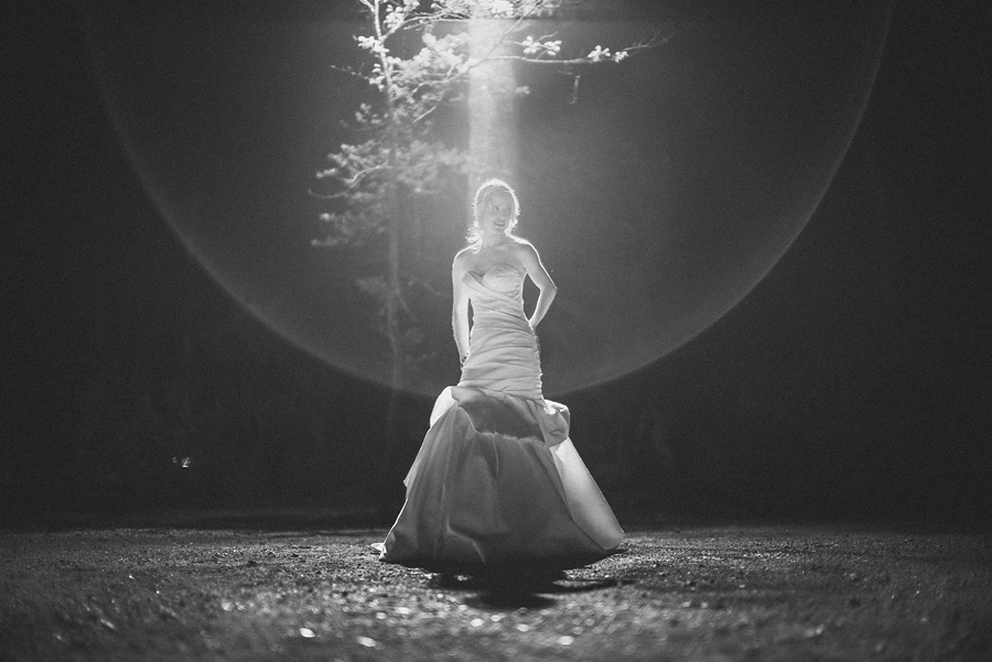 creative flare black and white photo of bride