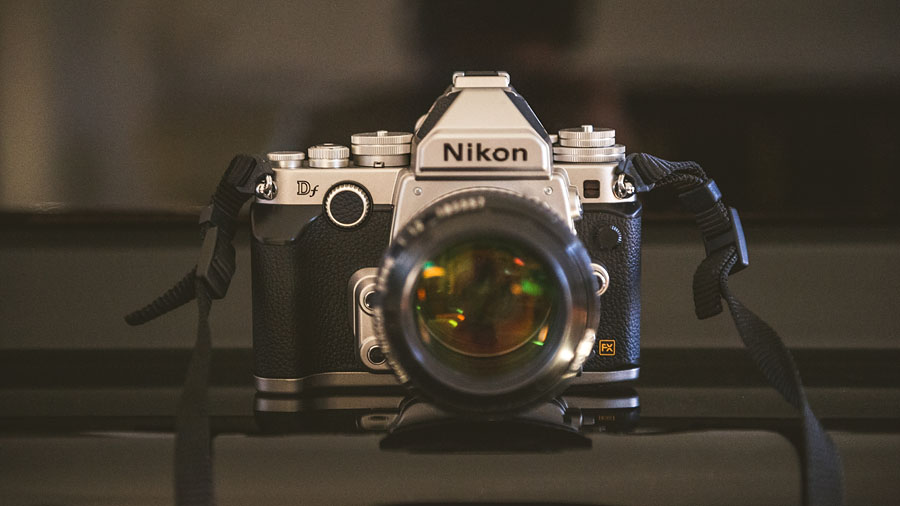 REAL WORLD NIKON DF REVIEW WITH QUICK COMPARISON TO NIKON D4 - Sam