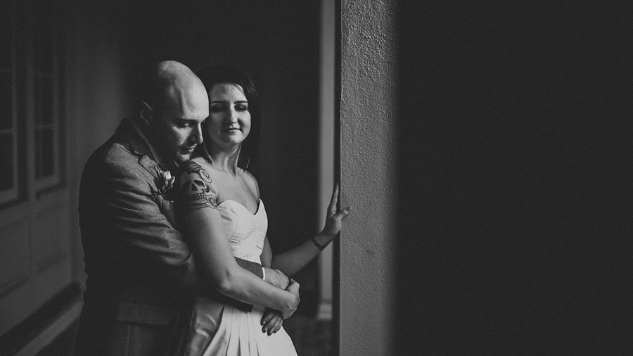 caroline and darren wedding portrait