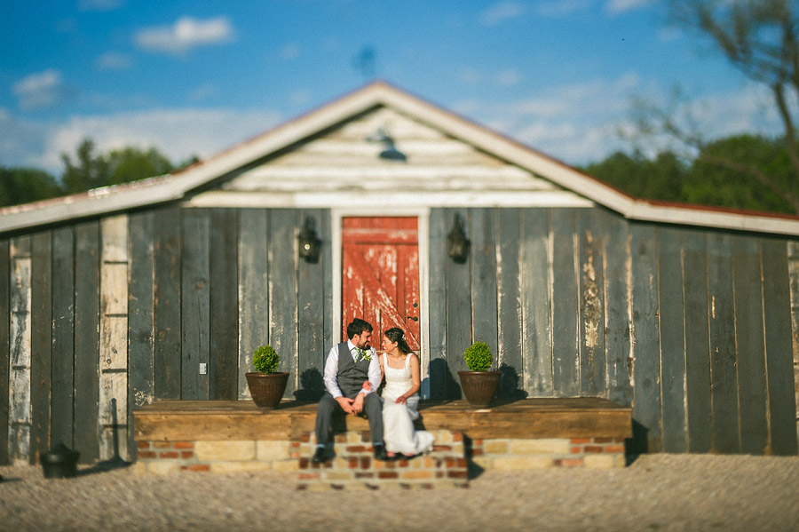 creative barn wedding photos