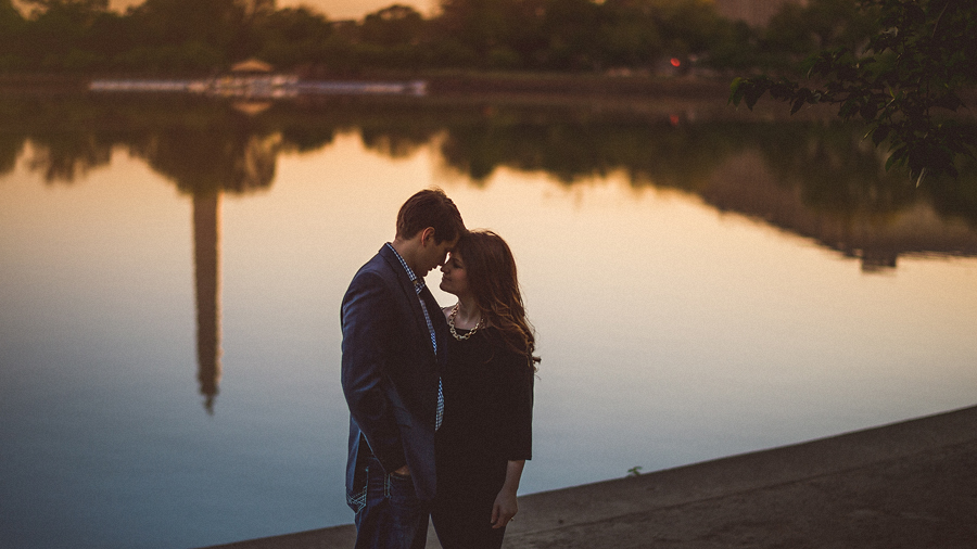 sunrise engagement session at the tidal basin