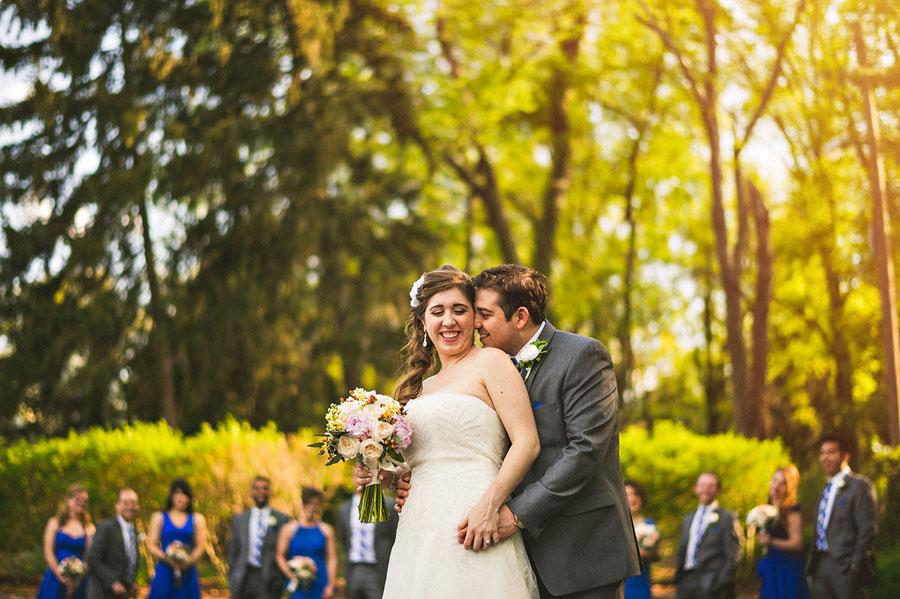 bridal party creative wedding photos