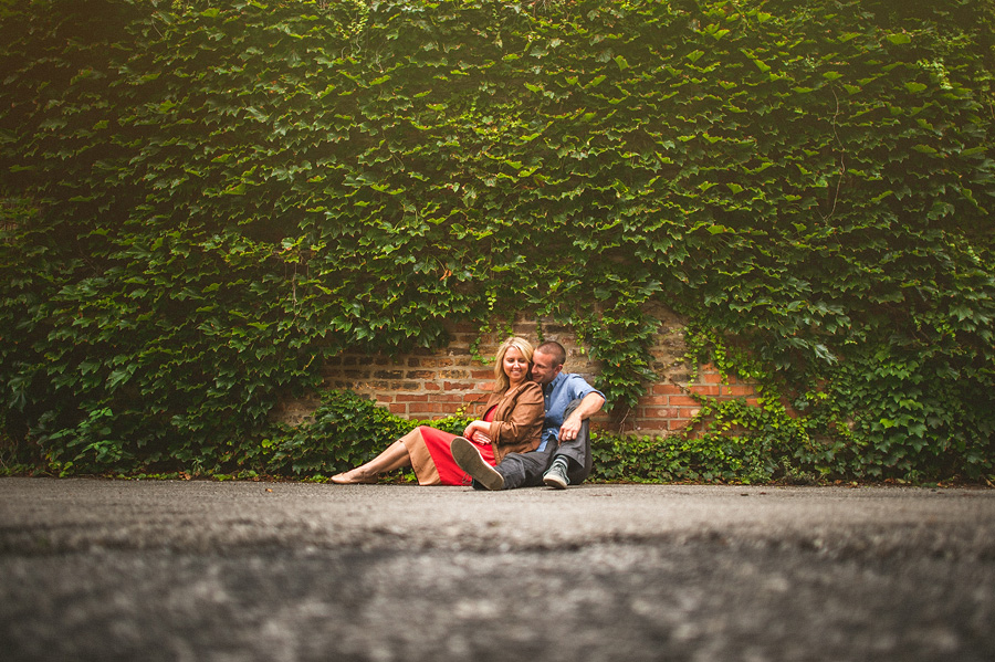 ivy behind couple in engagement portraits