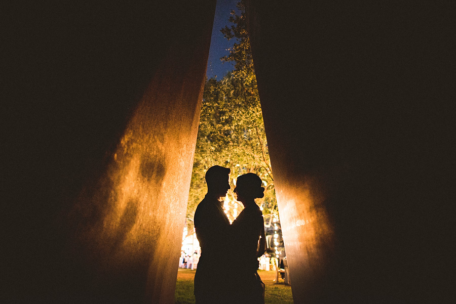 dramatic artistic wedding photos