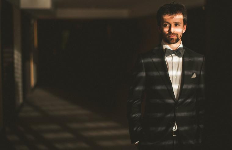 12 groom portrait
