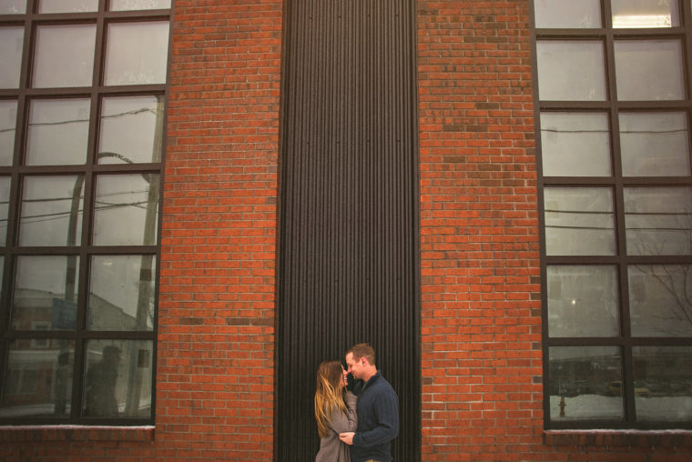 05-creative-use-of-wall-for-couple-portrait